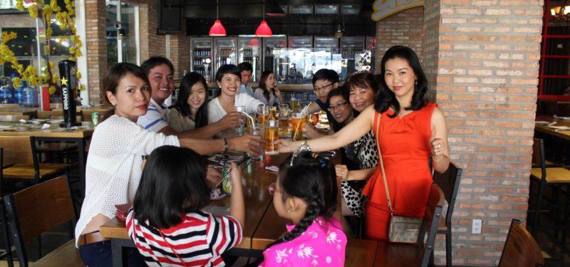 Đỗ Ngọc Thúy tổ chức tiệc Tất Niên 2015